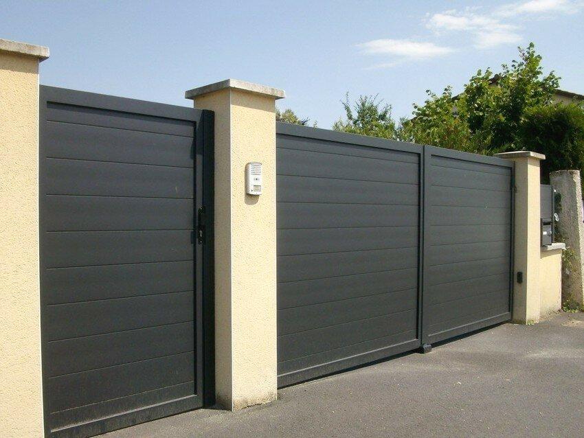 Ворота распашные металлические с калиткой: 30 фото и 5 советов